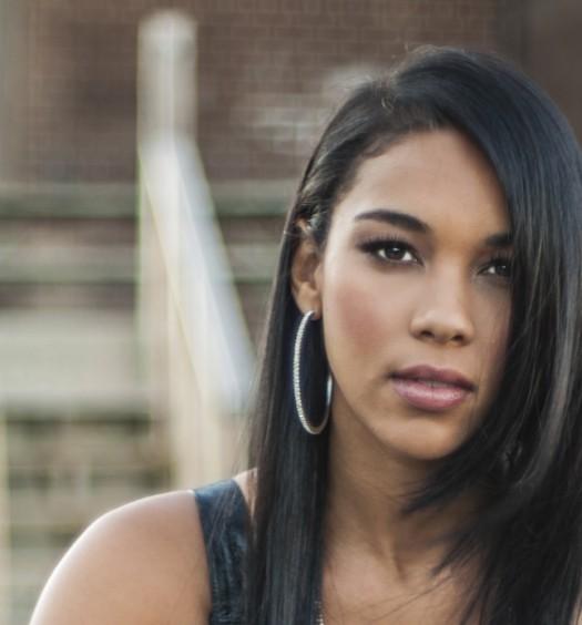 Alexandra Shipp - Aaliyah - Featured