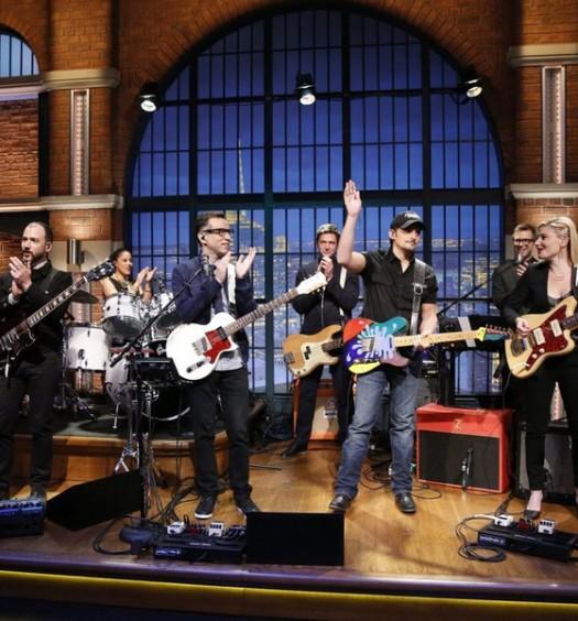 Brad Paisley with 8G Band - Late Night (NBC)