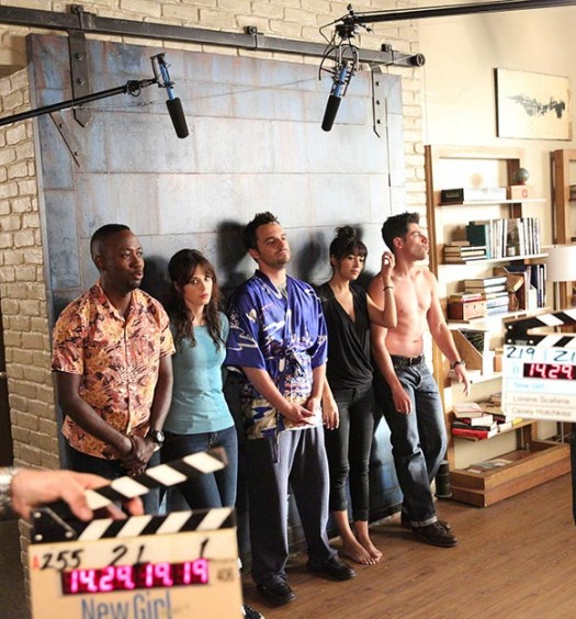 "New Girl - BTS - ""Background Check"" - 1"
