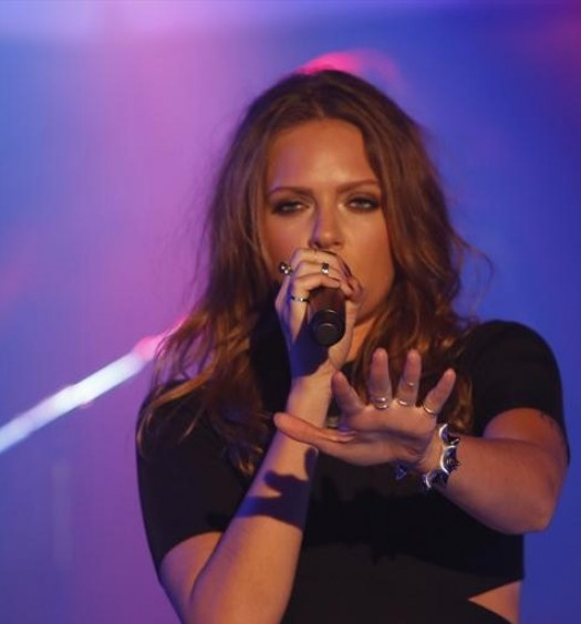 "Tove Lo performs ""Habits"" on ABCs Jimmy Kimmel Live"