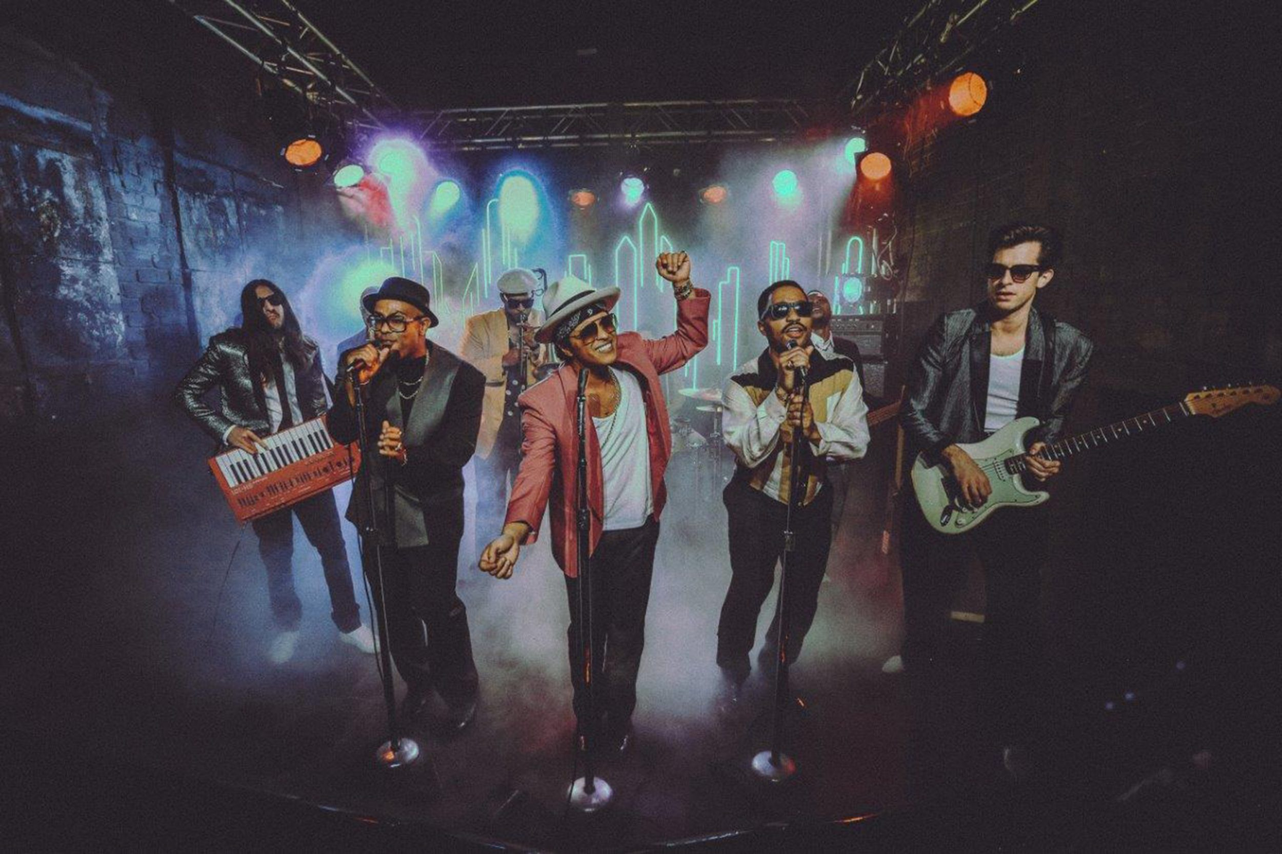 Uptown funk feat. bruno mars mark ronson скачать