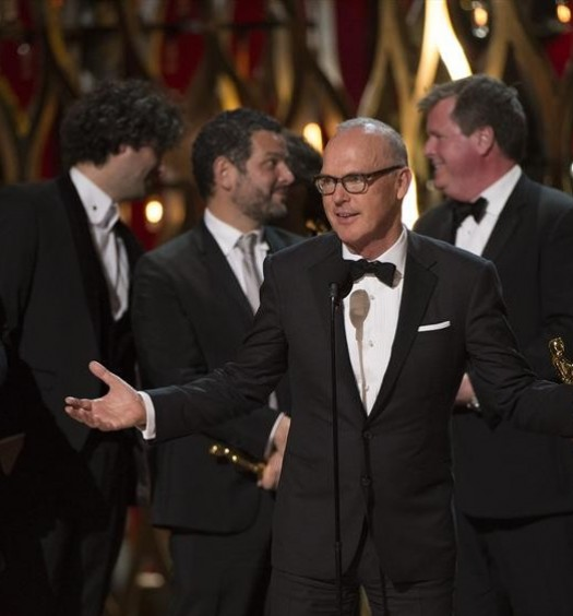 MICHAEL KEATON (CENTER)