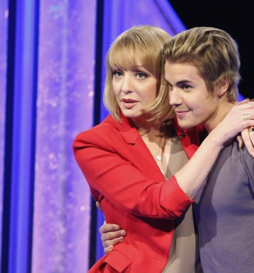 Wendi McLendon-Covey, Justin Bieber (ABC)
