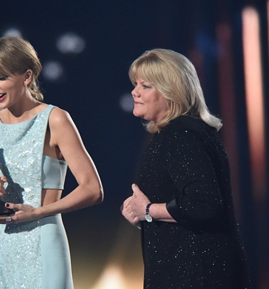 Taylor and Andrea Swift (CBS)