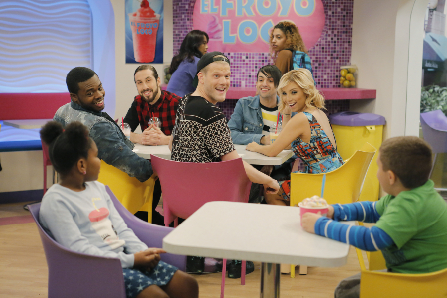 Ratings KC Undercover Slips For Pentatonix Episode Trails Liv And Maddie