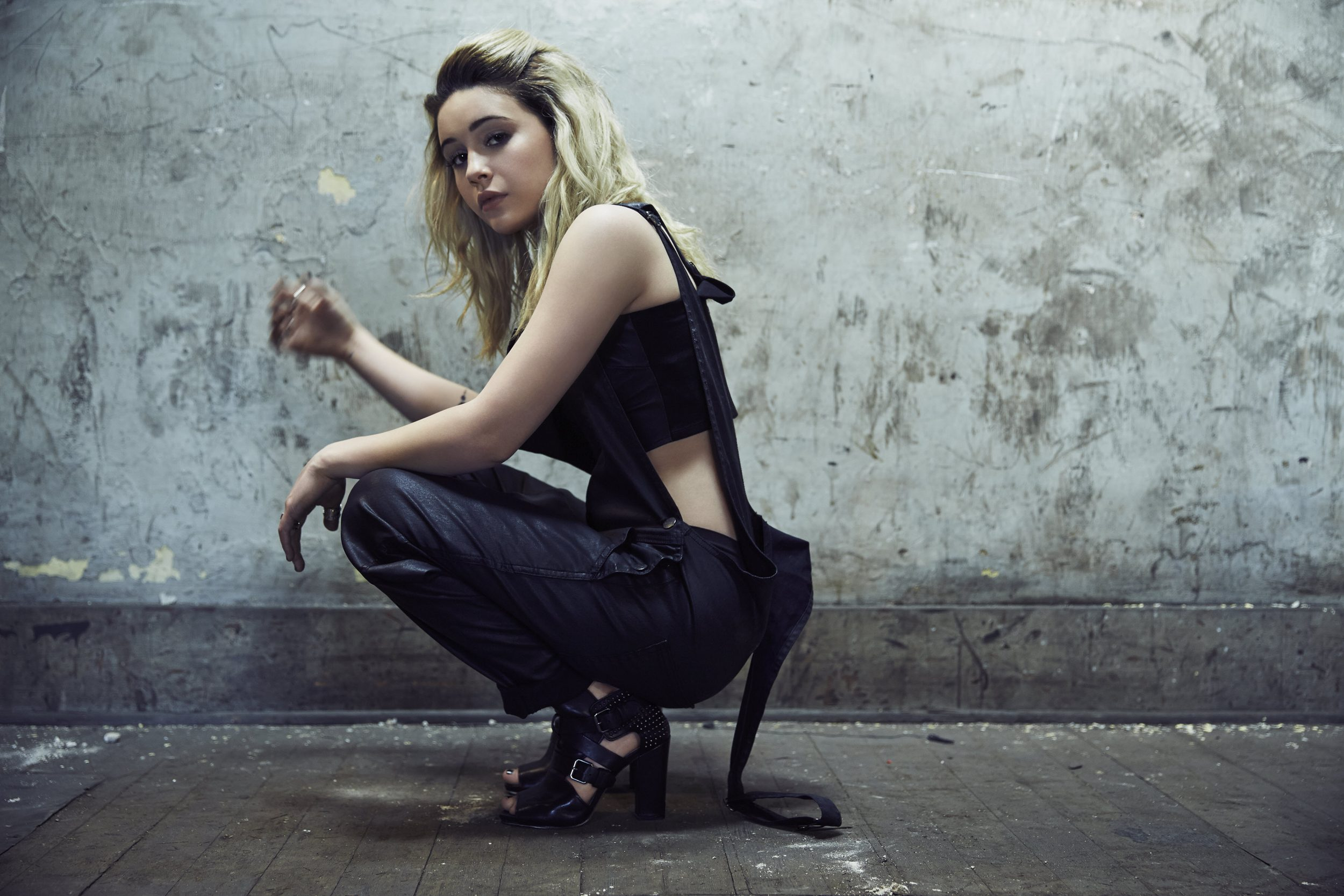 Bea miller delivers powerful engaging pop on not an apology review - Bea miller wallpaper ...
