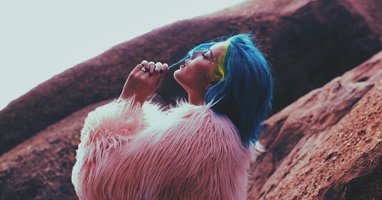 "Halsey S New Americana Surges Into Alternative Radio S: Halsey's ""New Americana"" Soars Into Alt Radio's Top 40"