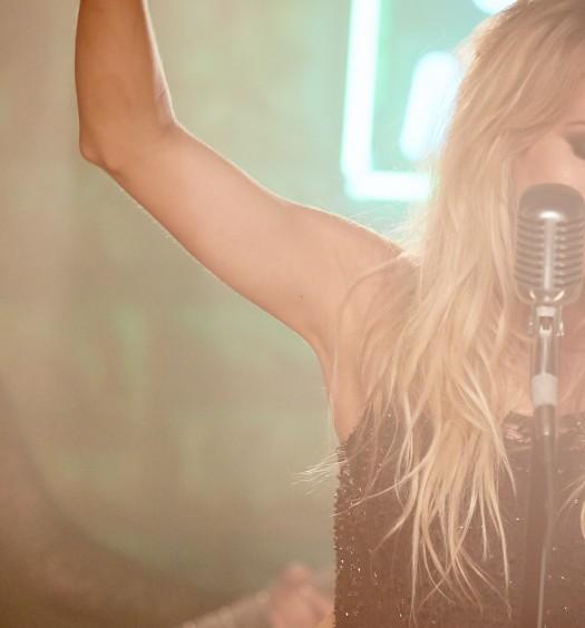Carrie Underwood [Lee Cherry]