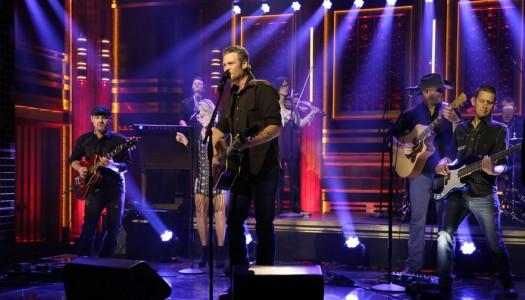 "Blake Shelton Performs ""Gonna"" on Jimmy Fallon's ""Tonight Show"" (Watch Now)"