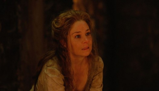 """Ratings: The CW's """"Reign"""" Holds Steady in Demo, Adds Viewers"""