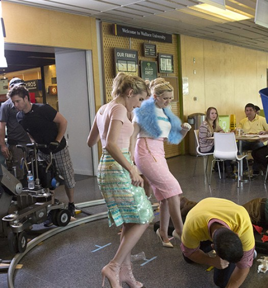 Scream Queens 104 BTS - 1