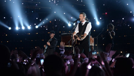 """Blake Shelton's """"Gonna"""" Reaches Top 5 at Country Radio; Brothers Osborne Now Top 10"""