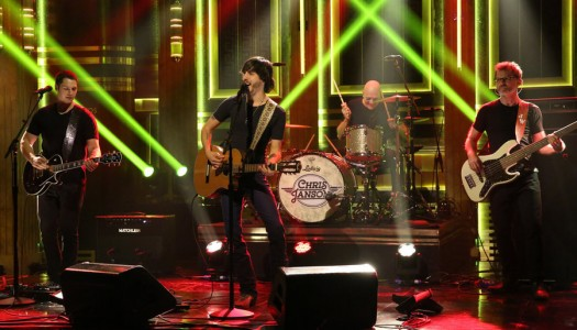 """Chris Janson Performs """"Buy Me A Boat"""" on Jimmy Fallon's """"Tonight Show"""" (Watch Now)"""