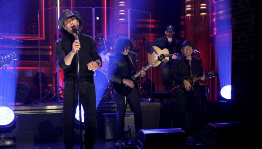 """Tim McGraw Performs """"Here Tonight"""" Jimmy Fallon's """"Tonight Show"""" (Watch Now)"""