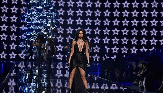 """Selena Gomez' """"Hands To Myself"""" Scores #70 Ranking at Pop Radio"""