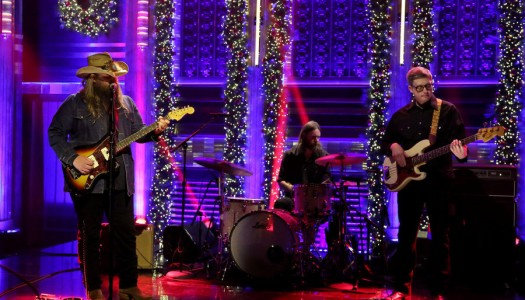 "Chris Stapleton Performs ""Sometimes I Cry"" On Fallon's ""Tonight Show"" (Watch Now)"