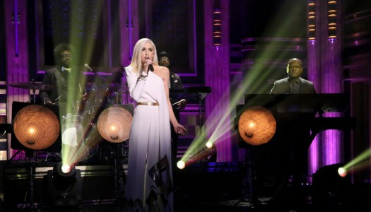 """Gwen Stefani Performs """"Used To Love You"""" On Jimmy Fallon's """"Tonight Show"""" (Watch Now)"""