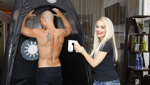 "First Look: Rita Ora, Aaron Rodgers, Cody Simpson Appear On CBS' ""I Get That A Lot"""
