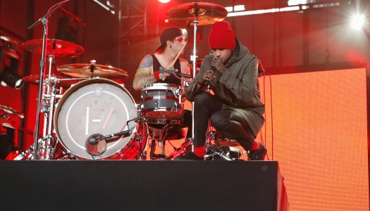 "Twenty One Pilots' ""Blurryface"" Earns Double Platinum Certification In US"