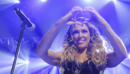 """Rachel Platten's """"Stand By You"""" Moving Toward #1 at Hot AC Radio"""