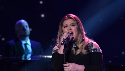 """Kelly Clarkson's """"Piece By Piece"""" Enters Hot AC Radio's Top 10"""