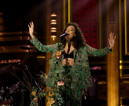THE TONIGHT SHOW STARRING JIMMY FALLON -- Episode 0475 -- Pictured: Musical guest Corinne Bailey Rae performs on May 19, 2016 -- (Photo by: Andrew Lipovsky/NBC)