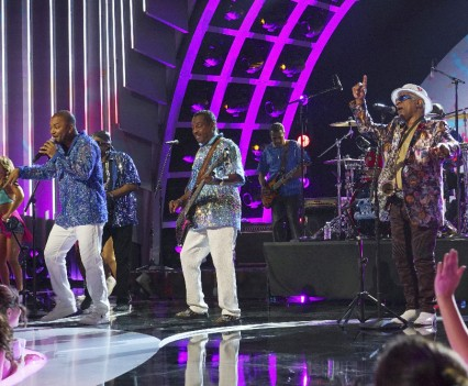 """GREATEST HITS - """"Greatest Hits - Episode 1"""" - The series premiere episode will kick off the six-week music event with chart toppers from 1980-1985, with performances by Pitbull, REO Speedwagon, Ray Parker, Jr., Jason Derulo, Kenny Loggins, Kim Carnes, Rick Springfield and Kool & The Gang. The episode will showcase some of the greatest hits from the early '80s, including a duet with REO Speedwagon and Pitbull, and a special tribute to Michael Jackson performed by Jason Derulo. Hosted by actor and comedian Arsenio Hall and country music star Kelsea Ballerini, """"Greatest Hits"""" will air THURSDAY, JUNE 30 (9:00-10:00 p.m. EDT), on the ABC Television Network. (ABC/Byron Cohen)KOOL & THE GANG"""