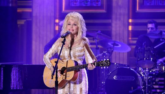 """Dolly Parton Performs """"Pure & Simple"""" On """"The Tonight Show Starring Jimmy Fallon"""" (Watch Now)"""