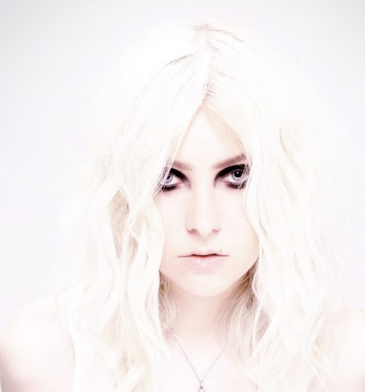 Taylor Momsen [Taryn Decken | Razor & Tie Publicity Photo]