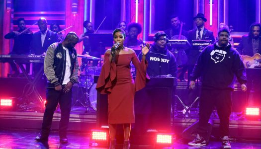 "De La Soul & Estelle Perform ""Memory Of (Us)"" On Jimmy Fallon's ""Tonight Show"" (Watch Now)"