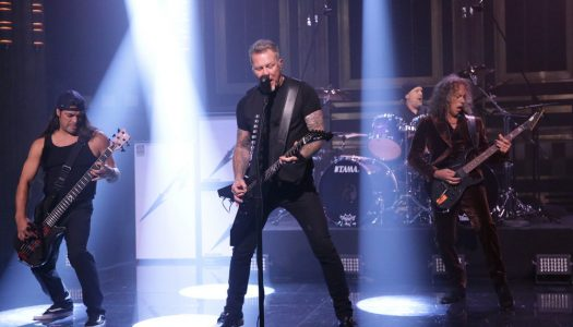 """Metallica's """"Hardwired…To Self-Destruct"""" Wins US Sales Race, Claims #1 On Billboard 200"""