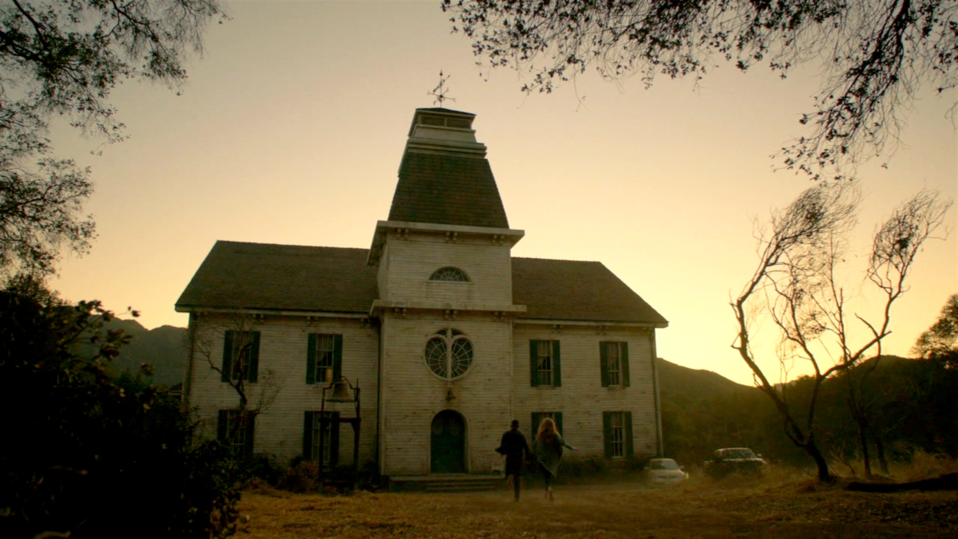 L sd ratings american horror story roanoke slips this week for American horror house