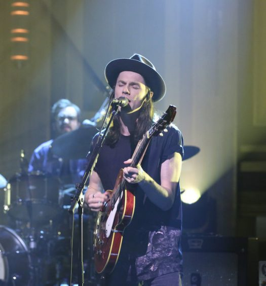 THE TONIGHT SHOW STARRING JIMMY FALLON -- Episode 0552 -- Pictured: Musical guest James Bay performs on October 11, 2016 -- (Photo by: Andrew Lipovsky/NBC)