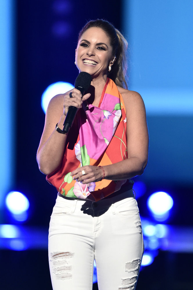 """2016 LATIN AMERICAN MUSIC AWARDS -- """"Rehearsal"""" -- Pictured: Host Lucero rehearses for the 2016 Latin American Music Awards at the Dolby Theater in Los Angeles, CA on October 4, 2016 -- (Photo by: Alberto Rodriguez/Telemundo)"""