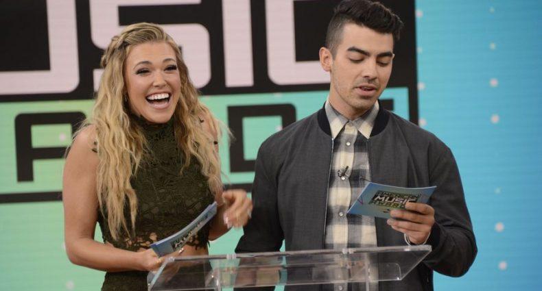 Rachel Platten Joe Jonas [AMA Announcement | ABC]