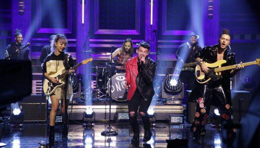 "DNCE Performs, Joe Jonas Plays Game On Jimmy Fallon's ""Tonight Show"" (Watch)"