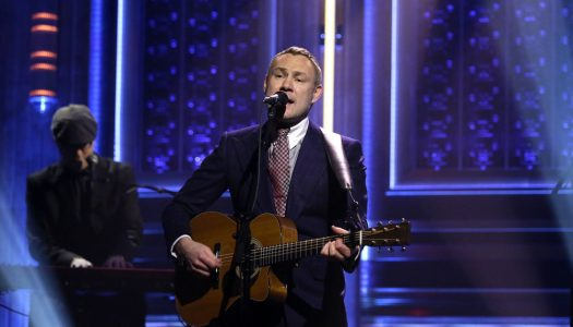 """David Gray Performs """"Babylon"""" On """"The Tonight Show Starring Jimmy Fallon"""" (Watch Now)"""