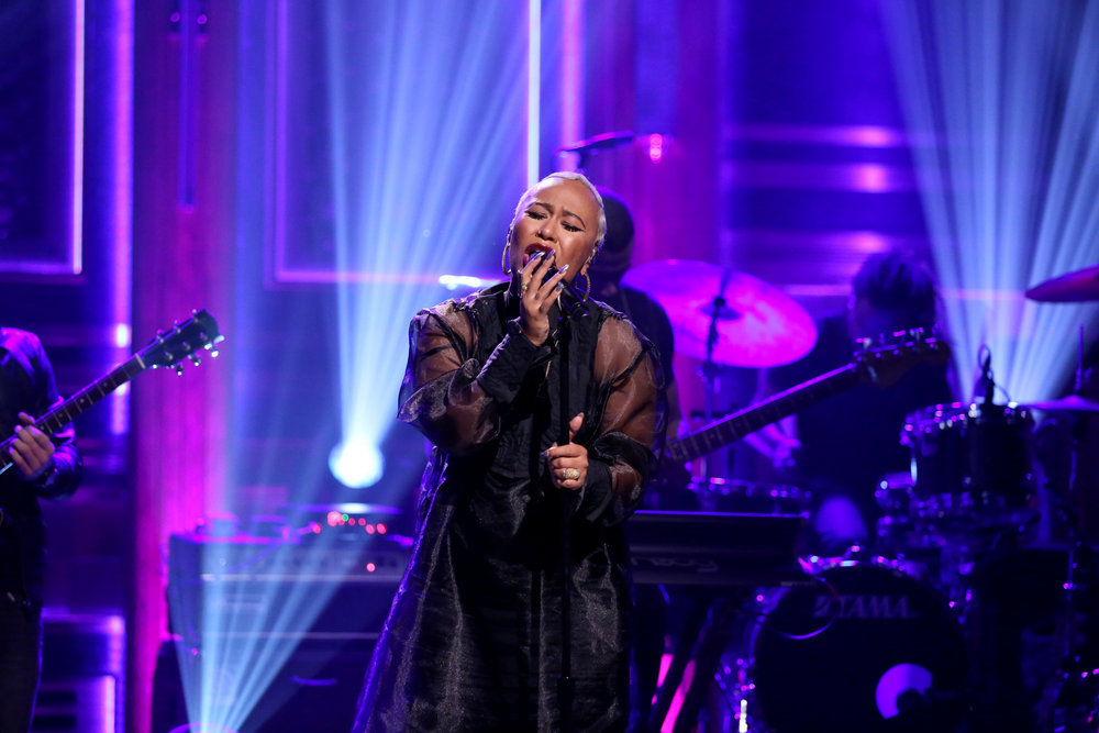THE TONIGHT SHOW STARRING JIMMY FALLON -- Episode 0574 -- Pictured: Musical guest Emeli Sandé performs on November 18, 2016 -- (Photo by: Andrew Lipovsky/NBC)