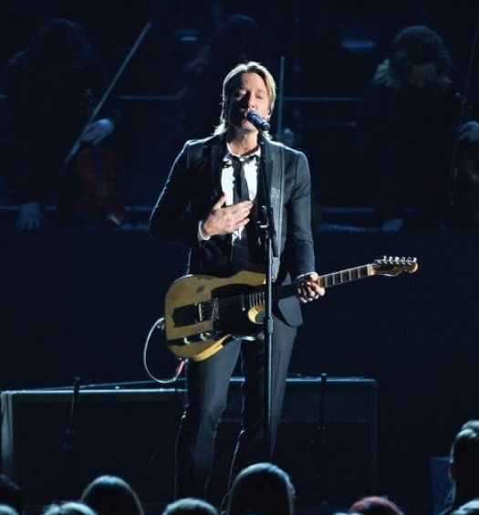"Keith Urban performs ""Blue Ain't Your Color"" at CMA Awards [ABC Photo]"