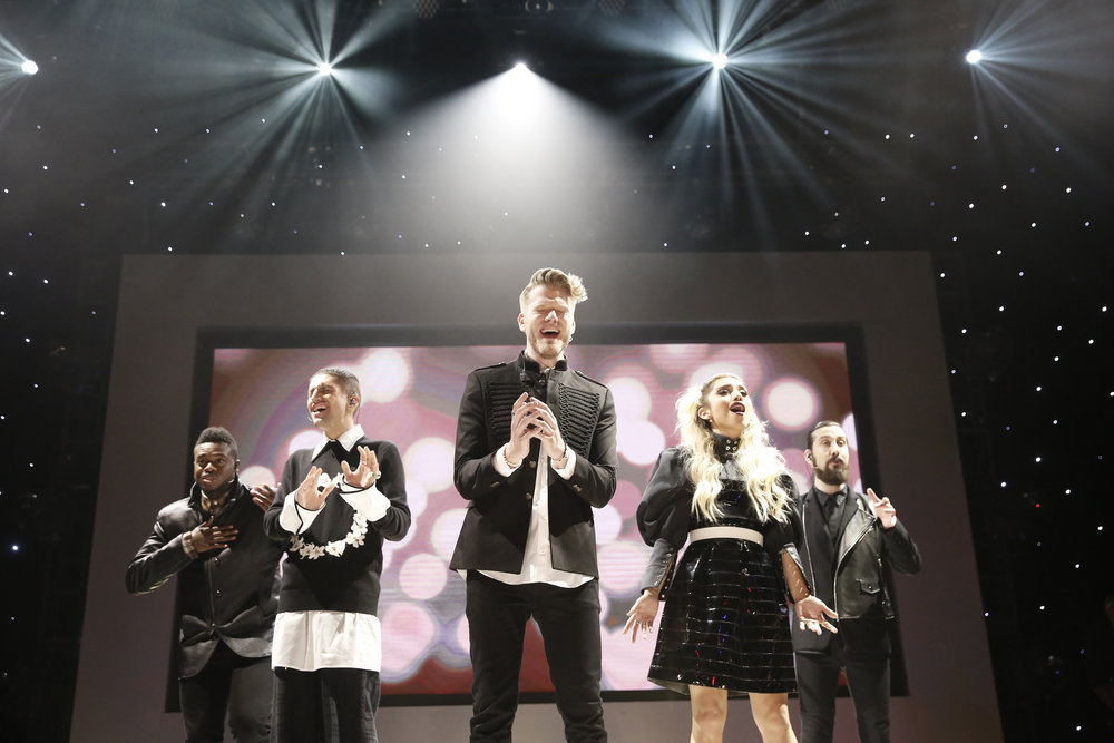 First Look: Pentatonix Performs For NBC Christmas Special; Airs ...