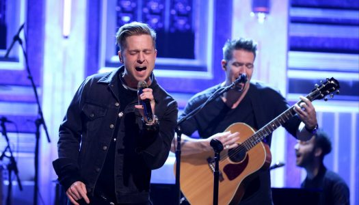 "OneRepublic Performs, Hailee Steinfeld Appears on Fallon's ""Tonight Show"" (Watch Now)"