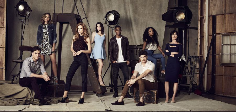 "FAMOUS IN LOVE – Freeform's ""Famous in Love"" stars Charlie DePew as Jake, Georgie Flores as Cassandra, Bella Thorne as August, Niki Koss as Alexis, Keith Powers as Jordan, Carter Jenkins as Rainer, Pepi Sonuga as Tangey and Perrey Reeves as Nina. (Freeform/Nino Munoz)"