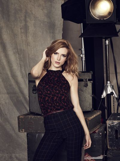 "FAMOUS IN LOVE – Freeform's ""Famous in Love"" stars Bella Thorne as August. (Freeform/Nino Munoz)"