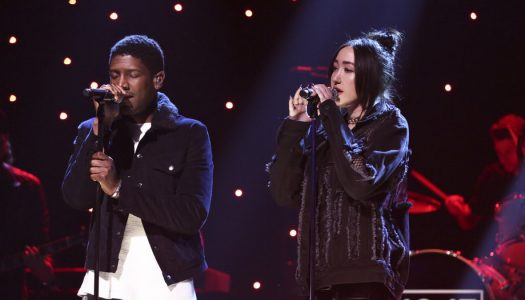 "Noah Cyrus & Labrinth Perform On Jimmy Fallon's ""Tonight Show"" (Watch Now)"