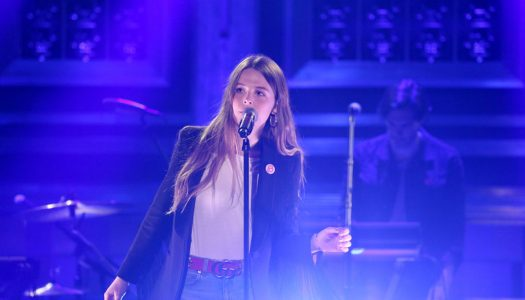 "Maggie Rogers Performs ""Alaska"" On Jimmy Fallon's ""Tonight Show"" (Watch Now)"