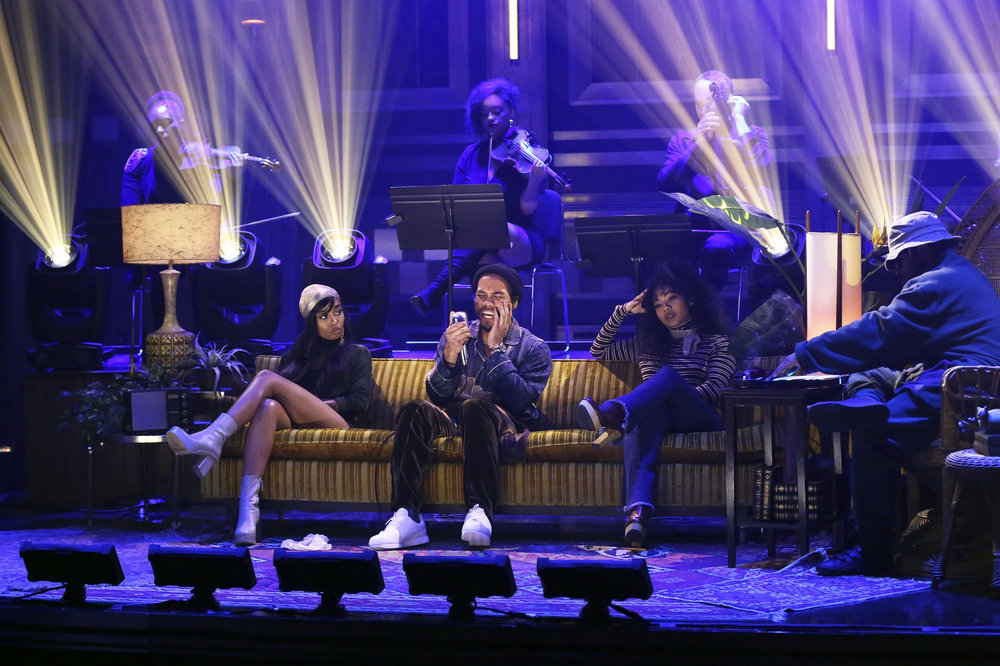 THE TONIGHT SHOW STARRING JIMMY FALLON -- Episode 0624 -- Pictured: (l-r) Anderson .Paak and Knxwledge of musical guest NxWorries performs on February 14, 2017 -- (Photo by: Andrew Lipovsky/NBC)