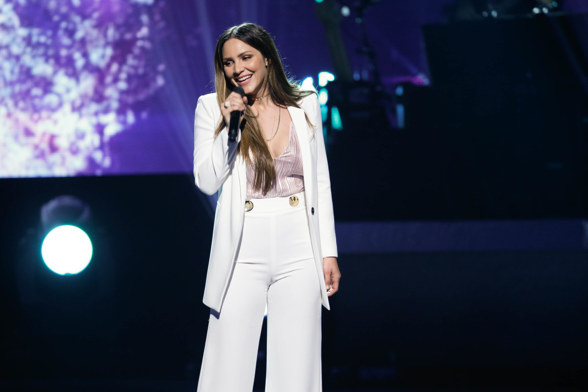 "Music stars Andra Day, Celine Dion, DNCE, Nick Jonas, Tori Kelly, Little Big Town, Demi Lovato, Katharine McPhee, Panic! at the Disco, Pentatonix, Ed Sheeran, Keith Urban, Kelsea Ballerini & Thomas Rhett, Jason Derulo & Tavares, John Legend & Stevie Wonder and Barry Gibb celebrate the Bee Gees' remarkable music catalog on, ""STAYIN' ALIVE: A GRAMMY® SALUTE TO THE MUSIC OF THE BEE GEES,"" Sunday, April, 16 (8:00-10:00 PM, ET/ PT) on the CBS Television Network. Pictured: Katharine McPhee Photo: Monty Brinton/CBS ©2017 CBS Broadcasting, Inc. All Rights Reserved"