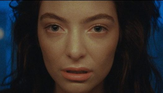 "Lorde's ""Green Light"" Debuts At #100 On Billboard Hot 100"