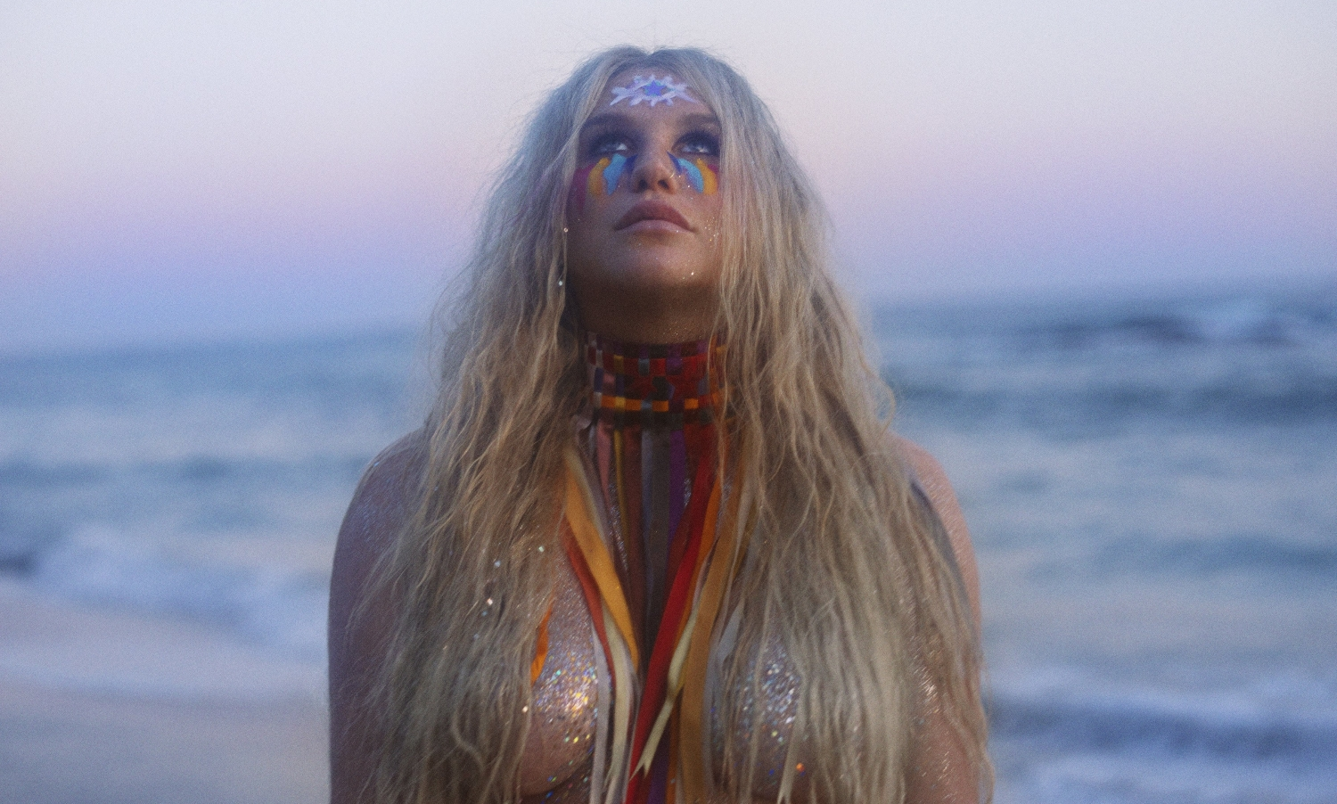 Keshas New Praying Rockets Into Top 3 On US ITunes