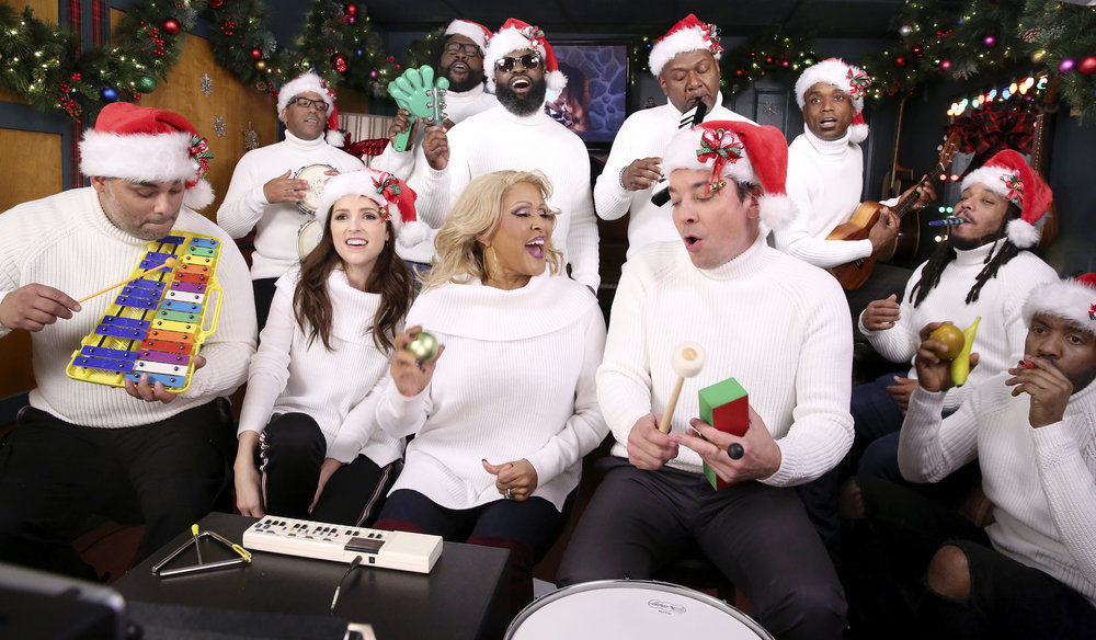 Anna Kendrick, Darlene Love Perform Holiday Tune on Classroom Instruments